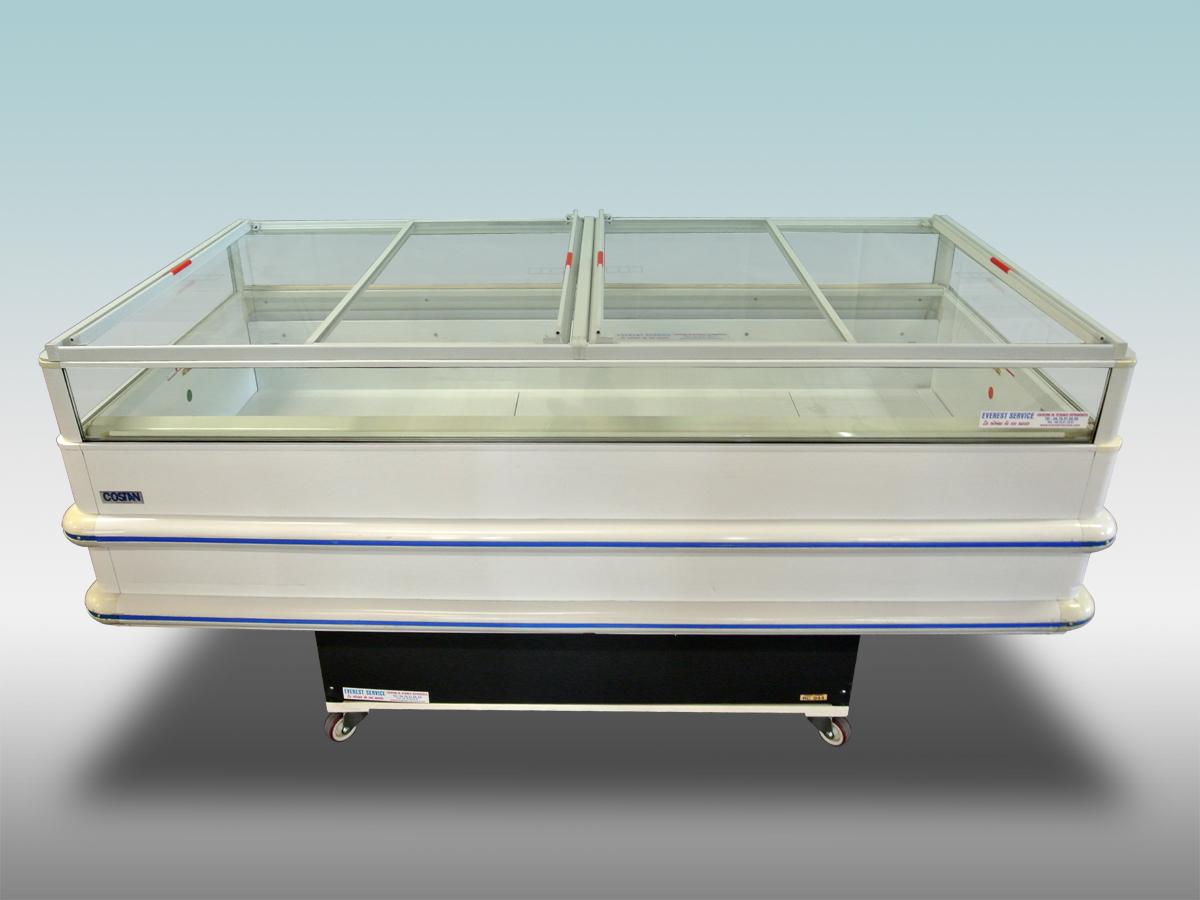 grande-photo-bac-couvercle-bi-temp-vitre-rondo<hr >Caractéristiques Techniques<hr > Dimensions extérieures : 1570 x 1060 x 1040 et 2070 x 1060 x 1040<hr > Dimensions intérieures : 1400 x 810 x 240 et 1910 x 810 x240<hr > Capacité en litres : 268 et 364<hr > Surface d'exposition (en m2) : 1.14 et 1.55<hr > Température d'application : Positif + 0 °C + 4 ° C et Négatif – 18 ° -25 °C<hr > Puissance électrique en fonctionnement (W) : 880 et 1250<hr > Puissance électrique en dégivrage (W) : 1740 et 2600<hr > Eclairage : LED / option<hr > Poids (en kg) : 185 et 210<hr ><hr>Informations marchandises: Charcuterie / Surgelés et crèmes-glacées / Fromage / IV gamme / Viande / Poissons pré-emballés / Volailles<hr > Informations techniques : Dégivrage électrique / Froid ventilé / Eclairage LED / Groupe de condensation / incorporé
