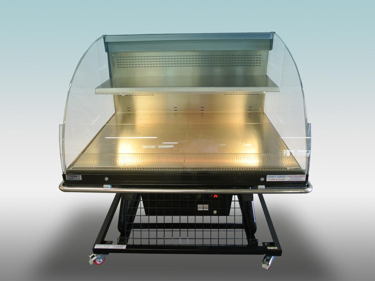 Vitrine traditionnelle libre service SV Galileo<hr >Caractéristiques Techniques<hr > Dimensions extérieures : 1350 x 1250 x 1380<hr > Dimensions intérieures : 1240 x 980 x 450<hr > Capacité en litres : N/A<hr > Surface d'exposition (en m2) : 1.75<hr > Température d'application : Positif + 0 °C + 4 ° C<hr > Puissance électrique en fonctionnement (W) : 1030<hr > Puissance électrique en dégivrage (W) : 480<hr > Eclairage : LED<hr > Poids Kg : 200<hr>Informations marchandises: Poisson pre-emballé/ Charcuterie / Fromage / IV gamme / Sandwiches / Viande / Volailles<hr > Informations techniques : Dégivrage électrique / Eclairage LED / Froid ventilé / Groupe de condensation incorporé
