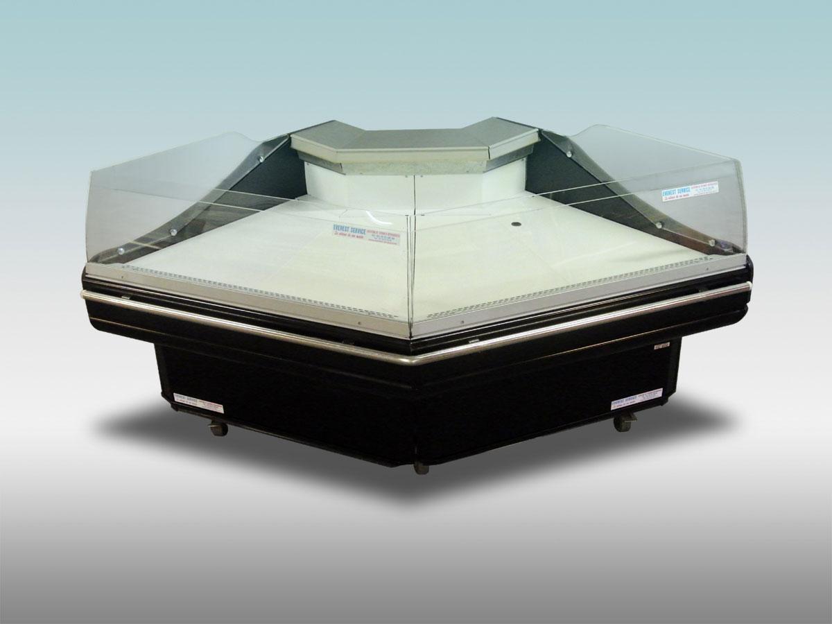 Vitrine traditionnelle angle Tintoretto<hr >Caractéristiques Techniques<hr > Dimensions extérieures : 2110 x 1220 X 1020<hr > Dimensions intérieures : 1840 x 750 x 200<hr > Capacité en litres : 280<hr > Surface d'exposition (en m2) : N /A<hr > Température d'application : Positif + 0 °C + 4 ° C<hr > Puissance électrique en fonctionnement (W) : 740<hr > Puissance électrique en dégivrage (W) : 140<hr > Eclairage : Non<hr > Poids (en Kg) : 250<hr ><hr>Informations marchandises: Charcuterie / Pâtisseries / Fromage / IV gamme / Viande / Poissons pré-emballés / Volailles<hr > Informations techniques : Dégivrage électrique / Froid ventilé / Groupe de condensation / incorporé /