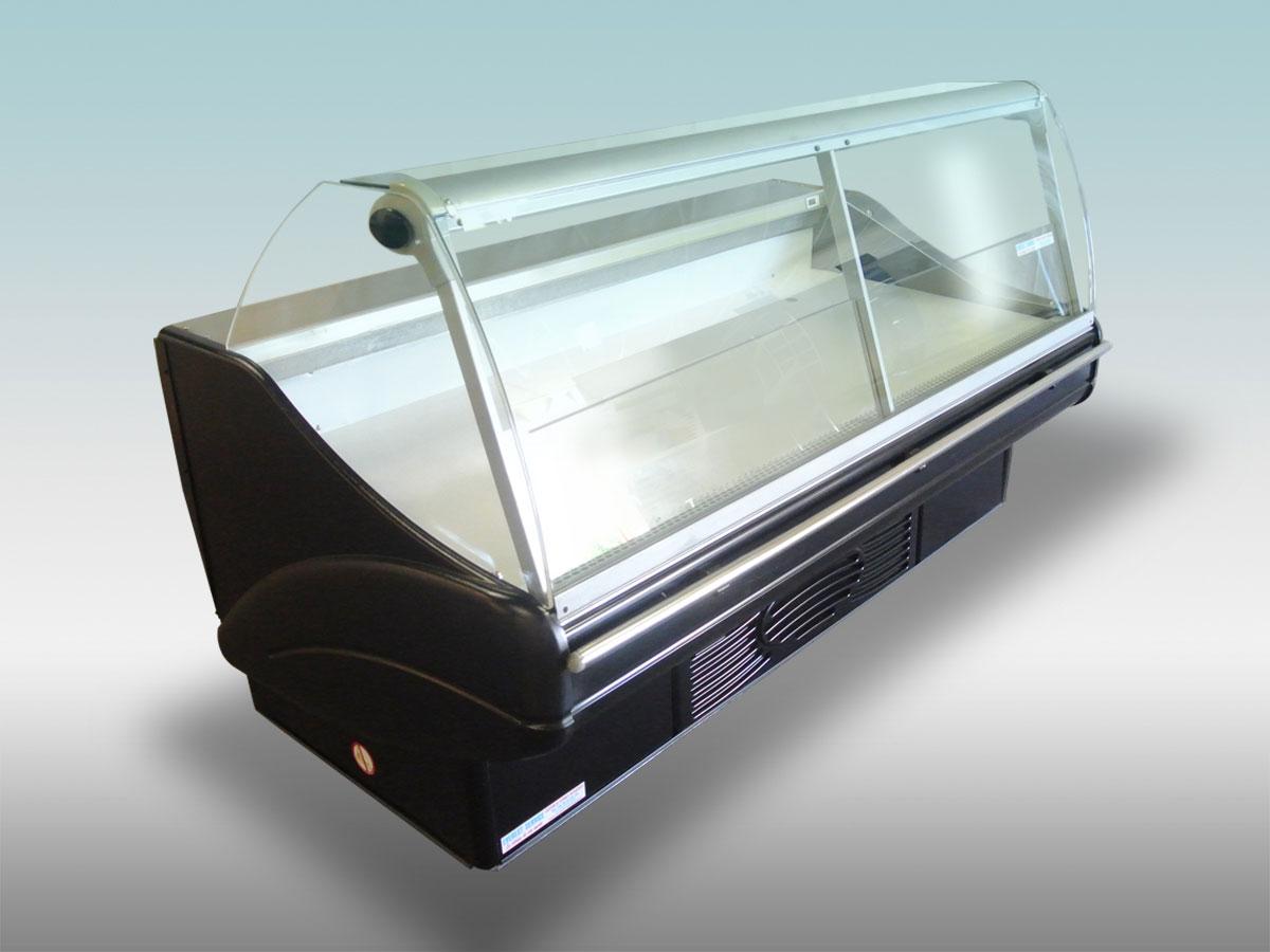 Vitrine traditionnelle Tintoretto<hr >Caractéristiques Techniques<hr > Dimensions extérieures : 1940 x 1120 x 1030<hr > Dimensions intérieures : 1870 x 750 x 150<hr > Capacité en litres : 345<hr > Surface d'exposition (en m2): 1.41<hr > Température d'application : Positif + 0 °C + 4 ° C<hr > Puissance électrique en fonctionnement (W) : 800<hr > Puissance électrique en dégivrage (W) : 140<hr > Eclairage : LED<hr > Poids (en Kg): 270<hr ><hr>Informations marchandises: Poisson pre-emballé/ Charcuterie / Fromage / IV gamme / Sandwiches / Viande / Volailles<hr > Informations techniques : Dégivrage électrique / Eclairage LED / Froid ventilé / Groupe de condensation incorporé